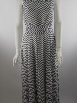 Черно бяла стилна рокля