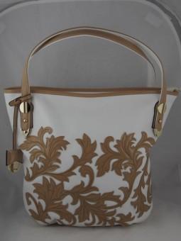 Дамска чанта с лакови мотиви