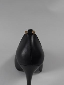Елегантна обувка на висок ток