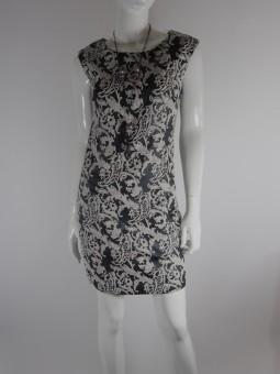 Дамска рокля с мотиви