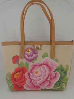 Чанта с цветя текстил и еко кожа