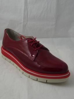 Обувка от естествен лак