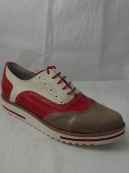 Дамска обувка с връзки