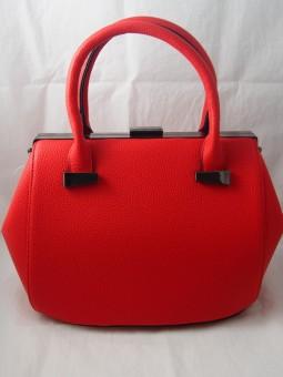 Дамска чанта в червено