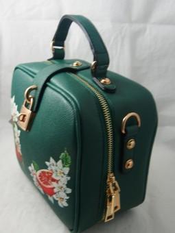 Малка чанта тип куфарче