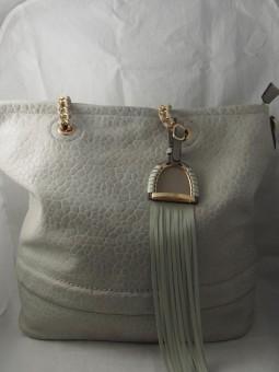 Дамска чанта с преплетени дръжки