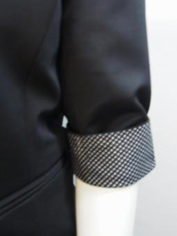 Дамско сако с акцент на ръкавите