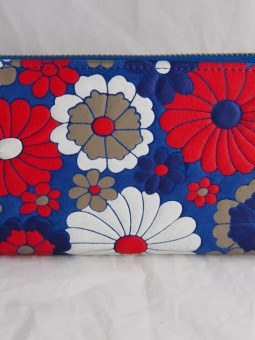Синьо портмоне с цветя