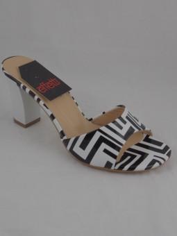 Дамски чехъл от естествен лак