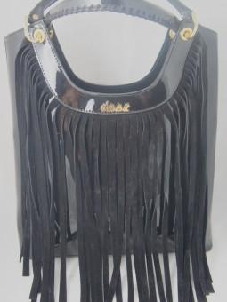Дамска чанта с ефектни ресни