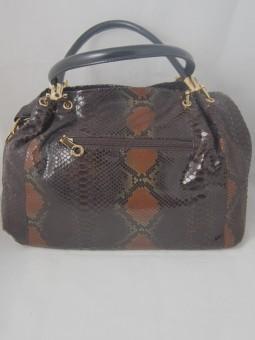 Дамска чанта в змийски принт