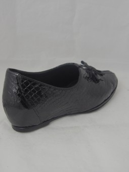 Дамска обувка на скрита платформа