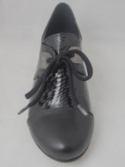 Дамска обувка на ток с връзки