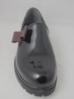 Обувка от естествен лак с панделка