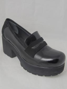 Лачена обувка на ток