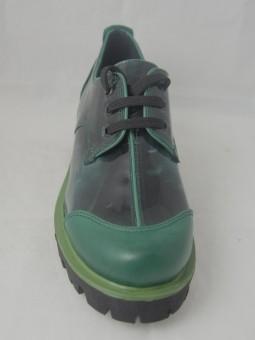 Зелени кожени обувки с връзки