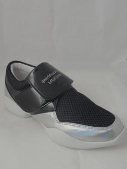 Спортни обувки
