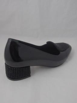 Елегантна дамска обувка с камъни
